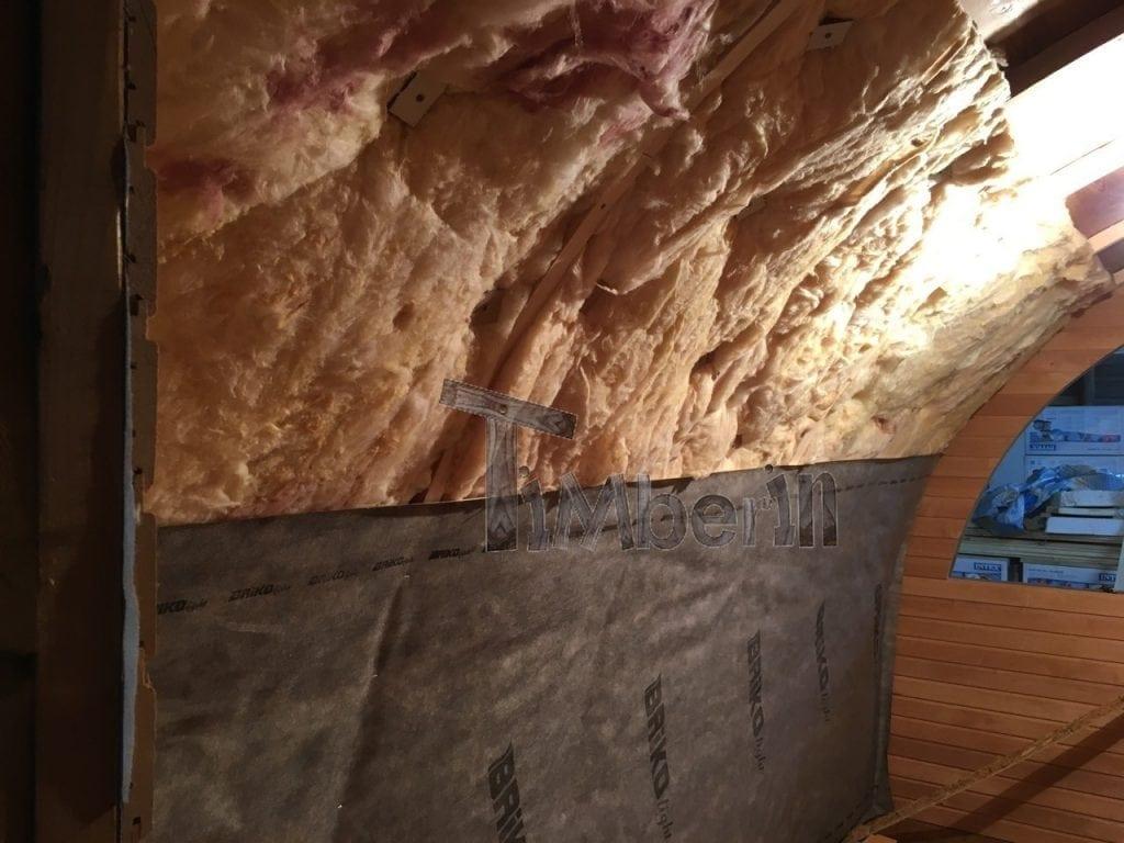 L'installazione Della Lana Minerale E Lo Strato Di Vapore Proveniente Dall'interno Della Sauna.