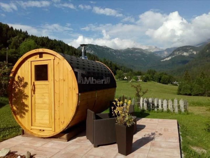 Sauna Rotonda Esterna A Botte, Lara E Nilo, Trento, Italia (1)